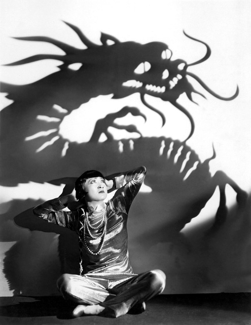 09DaughteroftheDragonFilmStill1931